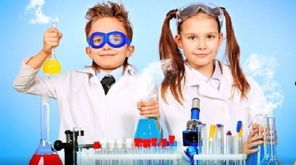 Dạy trẻ làm thí nghiệm khoa học