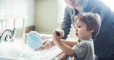 Dạy trẻ làm việc nhà