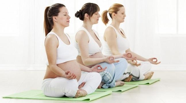 Yoga cho bà bầu dễ dàng vượt cạn