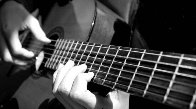 Thành thạo Guitar đệm hát trong 30 ngày