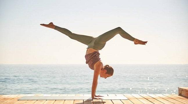 Yoga giảm cân sau sinh